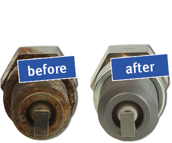 how to clean spark plug hole